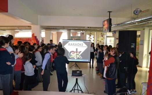 TED Malatya Koleji Ortaokulunda Karaoke Rüzgârı Esti