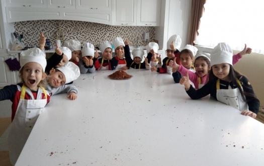 Ana Sınıfı Öğrencilerimiz Köstebek Pasta Yaptılar
