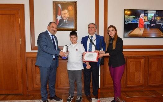 TED Malatya Kolejinden TÜBİTAK Türkiye Finallerinde Büyük Başarı!